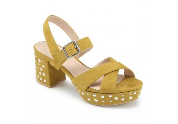 Sandale clous